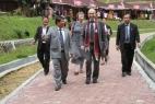 Besuch des Denkmals für den rheinischen Missionar Ludwig Ingwer Nommensen in den Bergen des Batak-Landes auf Sumatra