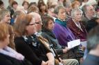 Die Gemeinde hörte aufmerksam Klage und Information.