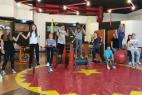Akrobatinnen und Akrobaten