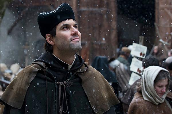 Der Reformator Ulrich Zwingli, im Film dargestellt von Max Simonischek.        © W-film / C-Films
