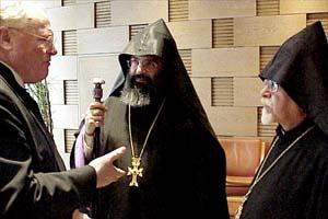 Präses Manfred Kock, der armenische Patriarch Mesrob II und Karekin Bekdijan, Erzbischof der Armenisch-Apostolischen Orthodoxen Kirche in Deutschland (von links nach rechts)