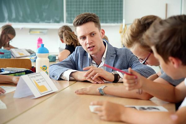 Für den evangelischen Religionslehrer Nils Hayn endet nun die erste Etappe des Modellprojekts KoKoRu. Nach den Sommerferien übernimmt die katholische Kollegin. Das Konzept findet er stimmig.