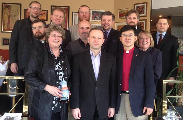 Auch Oberkirchenrätin Barbara Rudolph (vorn links) begrüßte die Religionsführer aus Russland und der Ukraine in Wuppertal.