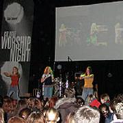 Gut besuchtes missionarisches Angebot für junge Leute: die Worship Night.