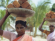 Hilfe für Menschen in Not und zur Entwicklung leistet kirchliche Entwicklungsarbeit.