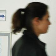 Auf der Suche nach Rat: Frauen, die sich mit einer unerwarteten Schwangerschaft konfrontiert sehen, brauchen gute Gespräche.