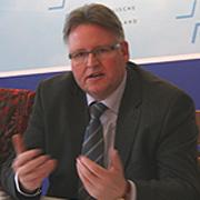 Jens Sannig (46), Superintendent des Kirchenkreises Jülich, ist Vorsitzender der Projektgruppe Globalisierung der rheinischen Kirche.