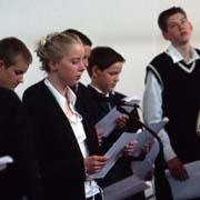 Konfirmationsgottesdienst, von den Jugendlichen mitgestaltet.
