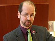 """""""Jetzt"""" ist kein leichtes Wort: Prof. Mark Burrows."""