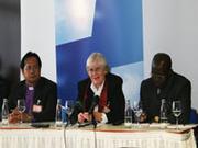 Ökumenische Gäste der Landessynode: Bischof Eliezer M. Pascua, Dr. Annemarie Dupré und Pfarrer Mauka Mathe Bulalo.