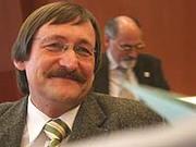 Klaus Eberl wird Oberkirchenrat und Leiter der Abteilung IV für Bildung und Erziehung.