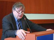 Der saarländische Staatssekretär Wolfgang Schild überbrachte