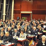 Die Landessynode 2011 hat die Beteiligung von Gemeinden und Kirchenkreisen bei der Erarbeitung der Verwaltungsstrukturreform und der Personalplanung auf den Weg gebracht.
