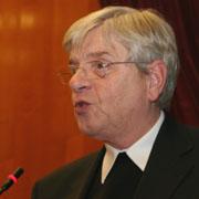 Prälat Dr. Gerd Lohaus auf der Landessynode 2011.