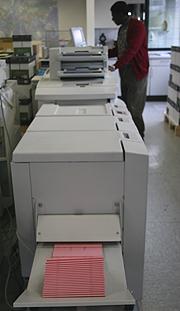 Die Vorlagen für die Landessynode 2012 werden im Landeskirchenamt gedruckt.