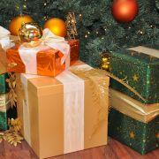 Nicht alle Geschenke unter dem Weihnachtsbaum finden Anklang beim Beschenkten.