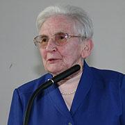 Ilse Härter, hier 2006 bei der Verleihung der Ehrendoktorwürde, ist heute 100 Jahre alt.