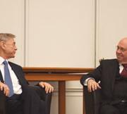Avi Primor und Nikolaus Schneider beim Johannes-Rau-Kolloquium 2012 zum Thema Mitverantwortug für Israel.