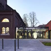 Alt- und Neubau verbunden: das Evangelische Gemeindezentrum Düsseldorf-Gerresheim.