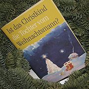 Einfache Fragen, verständliche, oft augenzwinkernde Antworten: Die Bonner Kirchen haben die Broschüre