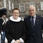 Hauptpastor Peter Krogull mit dem königlichen Patron der Sankt-Petri-Gemeinde, Kjeld Hillingsø, nach der Audienz vor Schloss Christiansborg. Foto: K. Møller