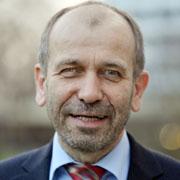 Oberkirchenrat Manfred Rekowski leitet die Personalabteilung des Landeskirchenamts.
