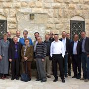 Die Teilnehmenden des Workshops über die biblische Geschichte vom Exodus, von der Befreiung Israels aus Ägypten, in Jerusalem (Ausschnitt).