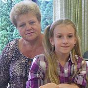 Alina mit ihrer Großmutter aus Gomel zur Erholung in der Kirchengemeinde Wiedenest.