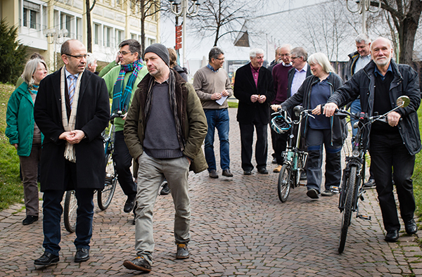 Präses Manfred Rekowski (vorn links) suchte das Gespräch mit den kirchlichen Umweltbeauftragten.