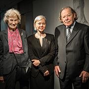 Künstlerin Celina Szelejewska-Pigulla (M.)  mit Ursula und Martin Held. Foto: Markus Feger