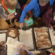 Die selbstgebackenen Brote gingen weg wie die sprichwörtlich warmen Semmeln.