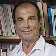 Martin Karrer, 62, ist Professor für Neues Testament und seine Umwelt an der Kirchlichen Hochschule Wuppertal/Bethel.
