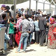 Flüchtlinge am Camp Moria auf Lesbos