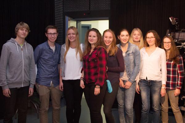 """Acht Mädchen und vier Jungen zwischen 16 und 19 Jahren haben die neunte Runde des journalistischen Nachwuchstraining 'News4U"""" beendet."""