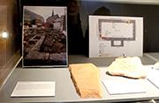 Einige der Ausgrabungsstücke aus 2.000 Jahren Geschichte sind in der AntoniterCityKirche ausgestellt.