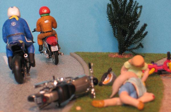 Der Motorradunfall erinnert an die biblische Geschichte des Barmherzigen Samariters. Foto: Evangelisches Bibelwerk im Rheinland