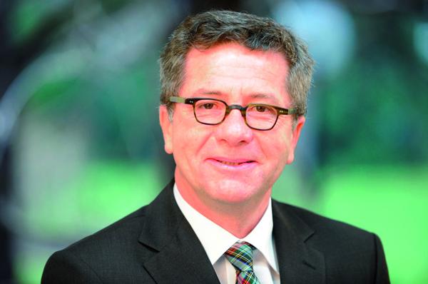 """Pfarrer Wolfgang Baumann ist Vorstand der """"Stiftung kreuznacher diakonie""""."""