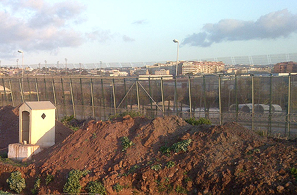 Befestigte EU-Außengrenze zwischen Marokko und der spanischen Exklave Melilla.