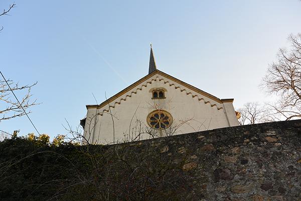 Die Martinskirche Waldlaubersheim liegt an der A 61 bei Bad Kreuznach.