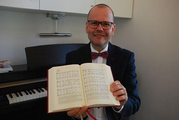 """Für Kirchenmusiker Jens-Peter Enk ist es das Abendlied schlechthin: """"Der Mond ist aufgegangen""""."""