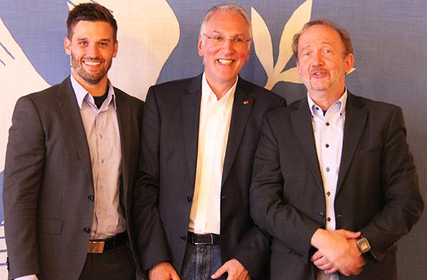 Der neue EBW-Geschäftsführer Dr. Marcel Fischell, Ulrich Schmitz, ehemaliger Leiter des Familienbildungswerks, und der Superintendent des Kirchenkreises Duisburg, Armin Schneider, bei der Vorstellung des EBW.