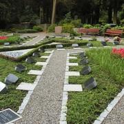 Pflegefrei und in Gemeinschaft: Grabanlage auf dem ev. Friedhof Norrenberg in Wuppertal.