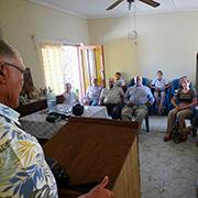 Die rheinischen Besucherinnen und Besucher beim Wohnzimmer-Gottesdienst in Clanwilliam.