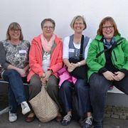 Der Hoffnung Gesichter sind fröhlich: die Presbyterinnen Monika Hintzen, Helga Drzisga, Uta Klimkeit und Anke Kuhlen-Gerhards (v.li.).