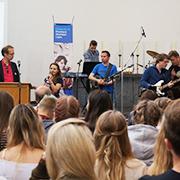 Dankeschön-Event mit Ulrich T. Christenn (l. vorn) von der Diakonie RWL.