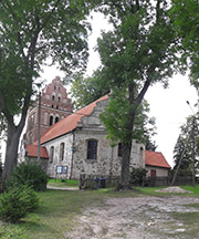 Die evangelische Kirche im polnischen Dźwierzuty (ehemals Mensguth) zählt zu den ältesten Masurens.