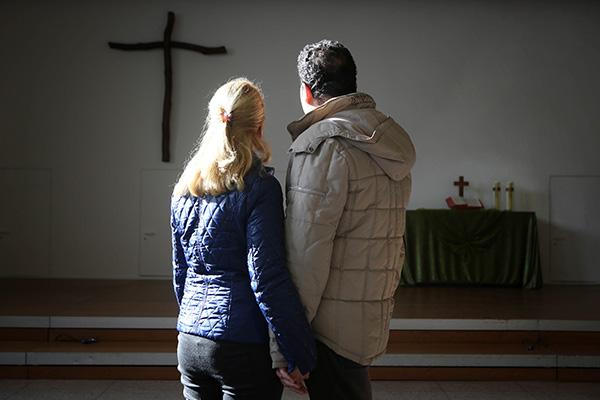 Immer mehr geflüchtete Menschen, finden in evangelischen Kirchengemeinden Schutz vor Abschiebung.