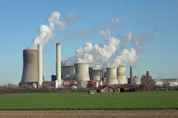 Kohlekraftwerk Niederaußem,  Foto: Wikimedia Commons/Leon Liesener, CC-BY-SA-3.0