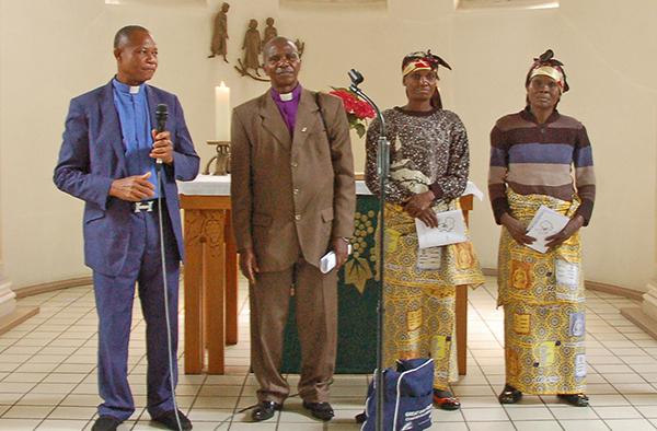 Mitglieder der Kongo-Delegation in der Evangelischen Kirche in Lintorf.