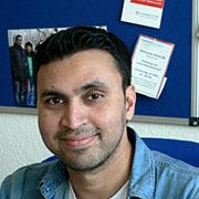 Marfy Munayem macht gerade ein Praktikum in der IT-Abteilung einer Düsseldorfer Firma.